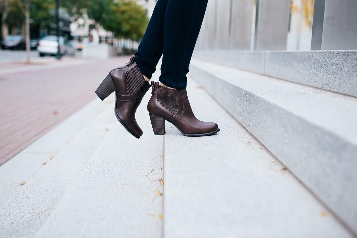 ugg-colbie-block-heel-bootie