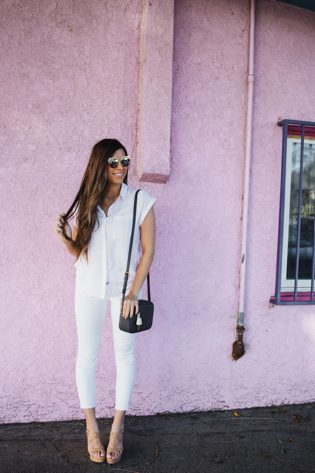 Cute pink stripe top, white jeans, perfect for summer!
