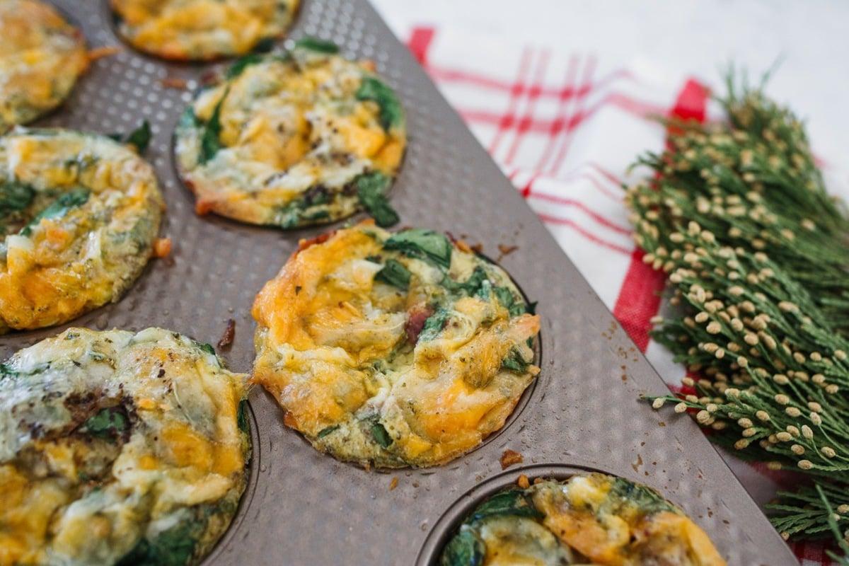 Kohl's Textured muffin pan