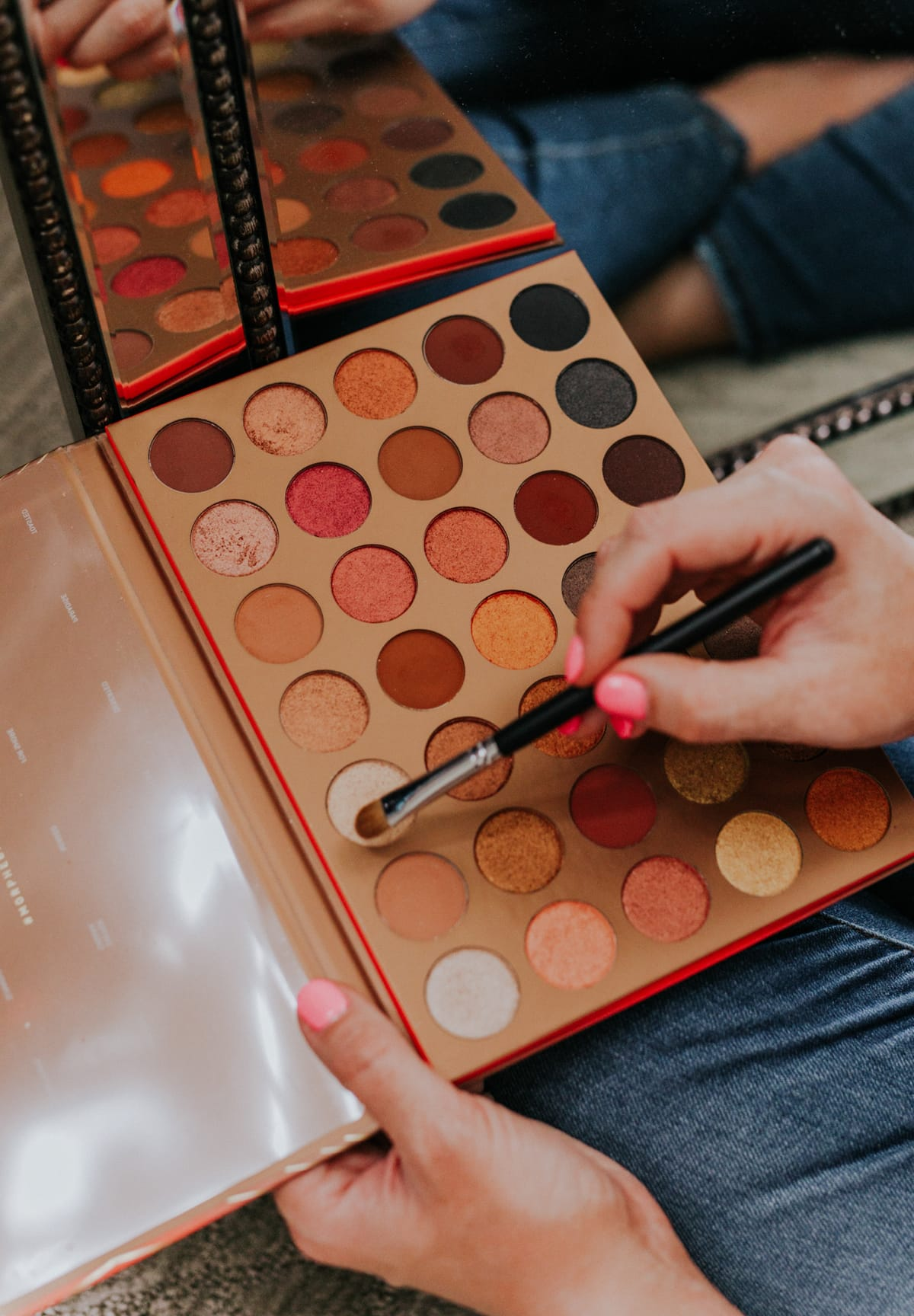 Morphe eyeshadow palette makeup bag