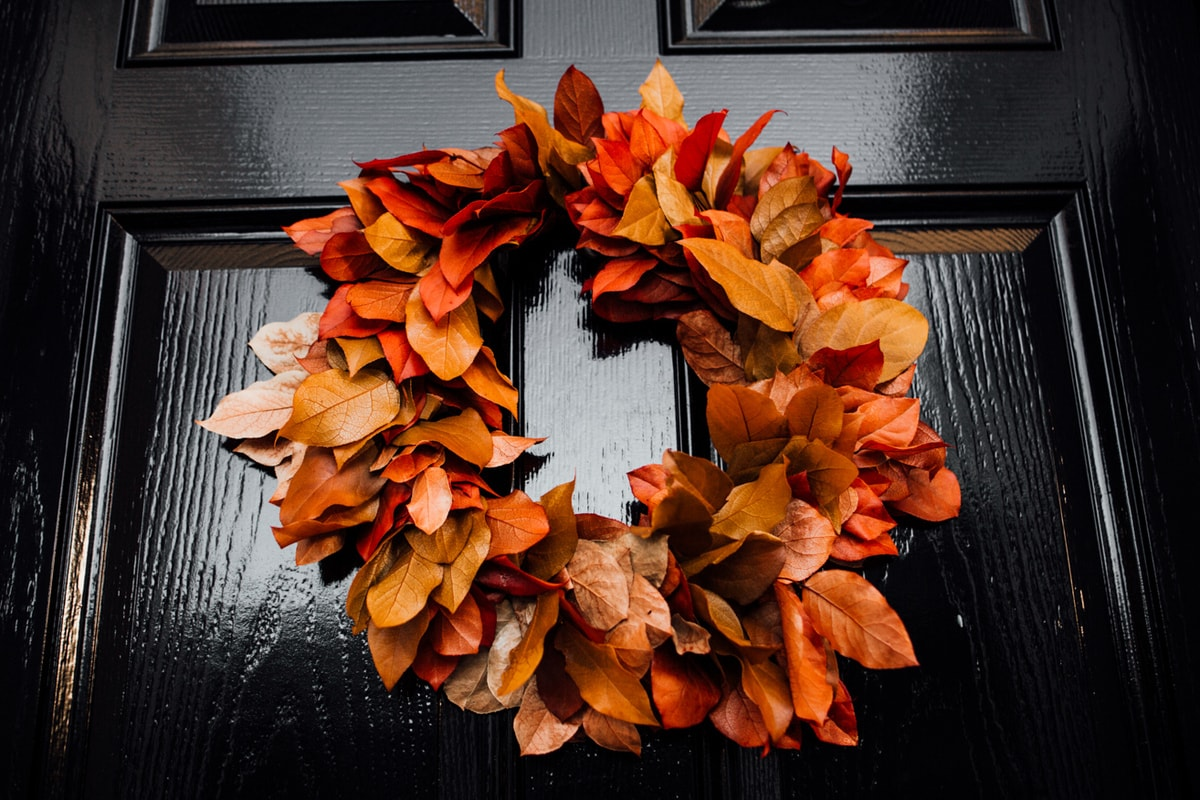 How to decorate your front porch for fall