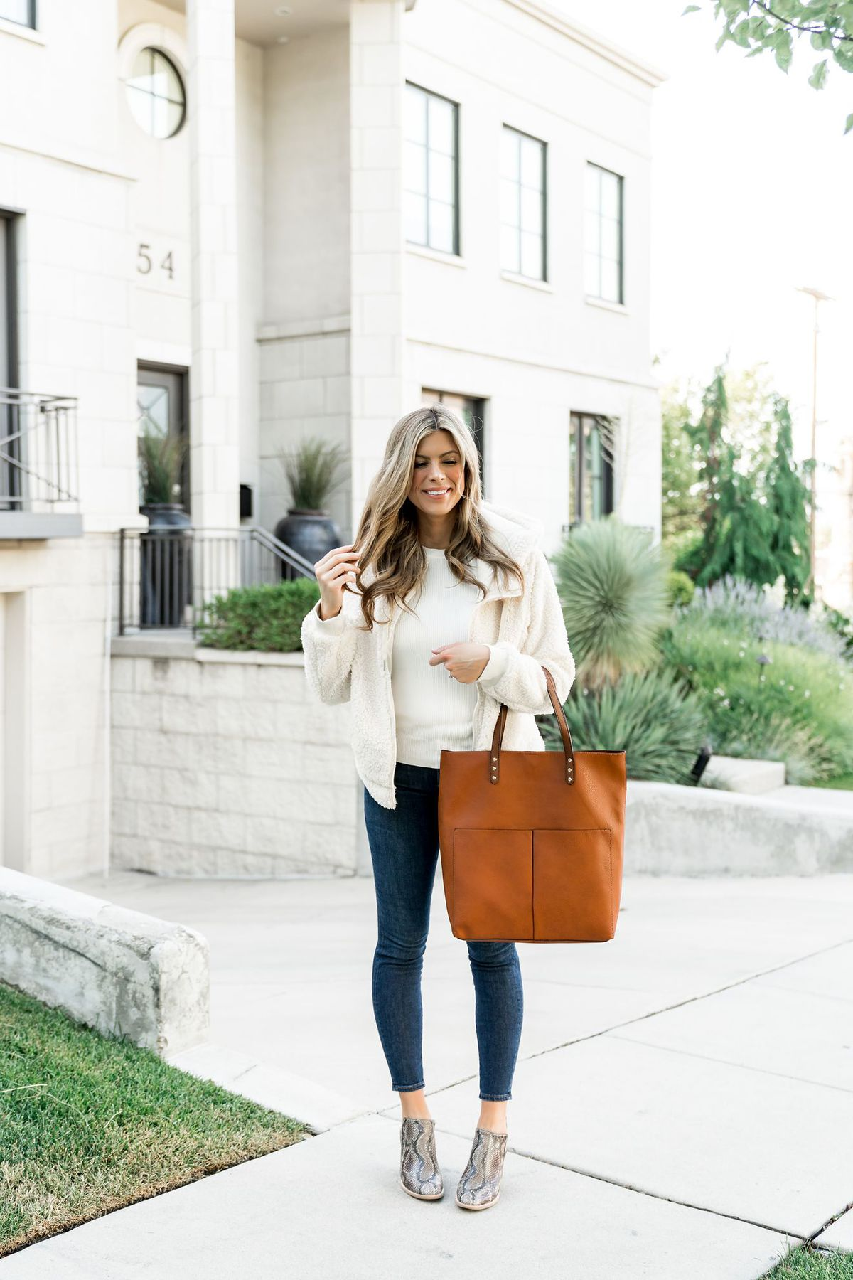 fall outfit cream sweater