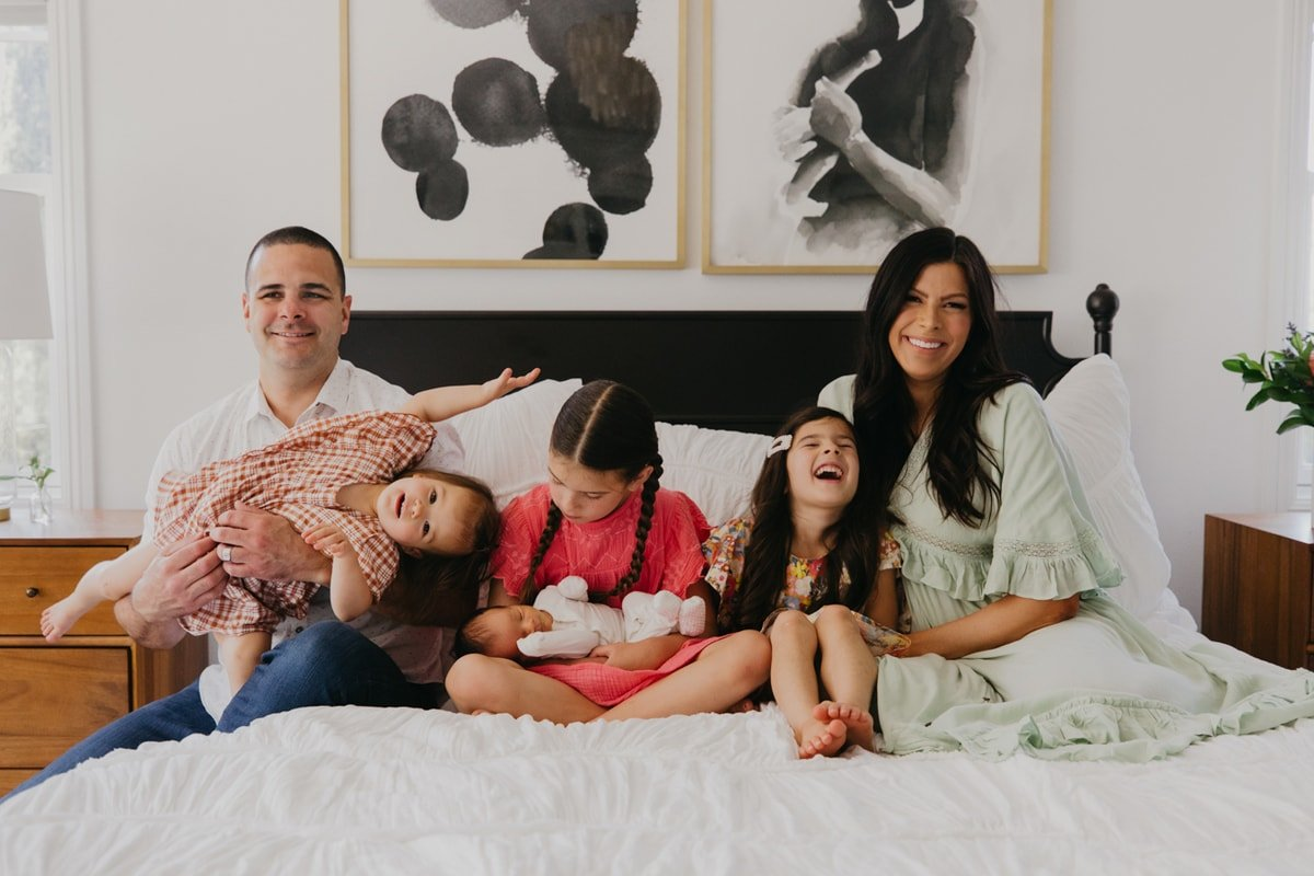 family photo tips with kids and newborn