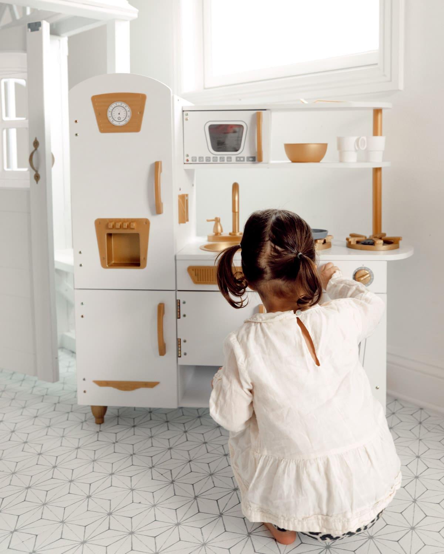 kidkraft kitchen white and gold amazon