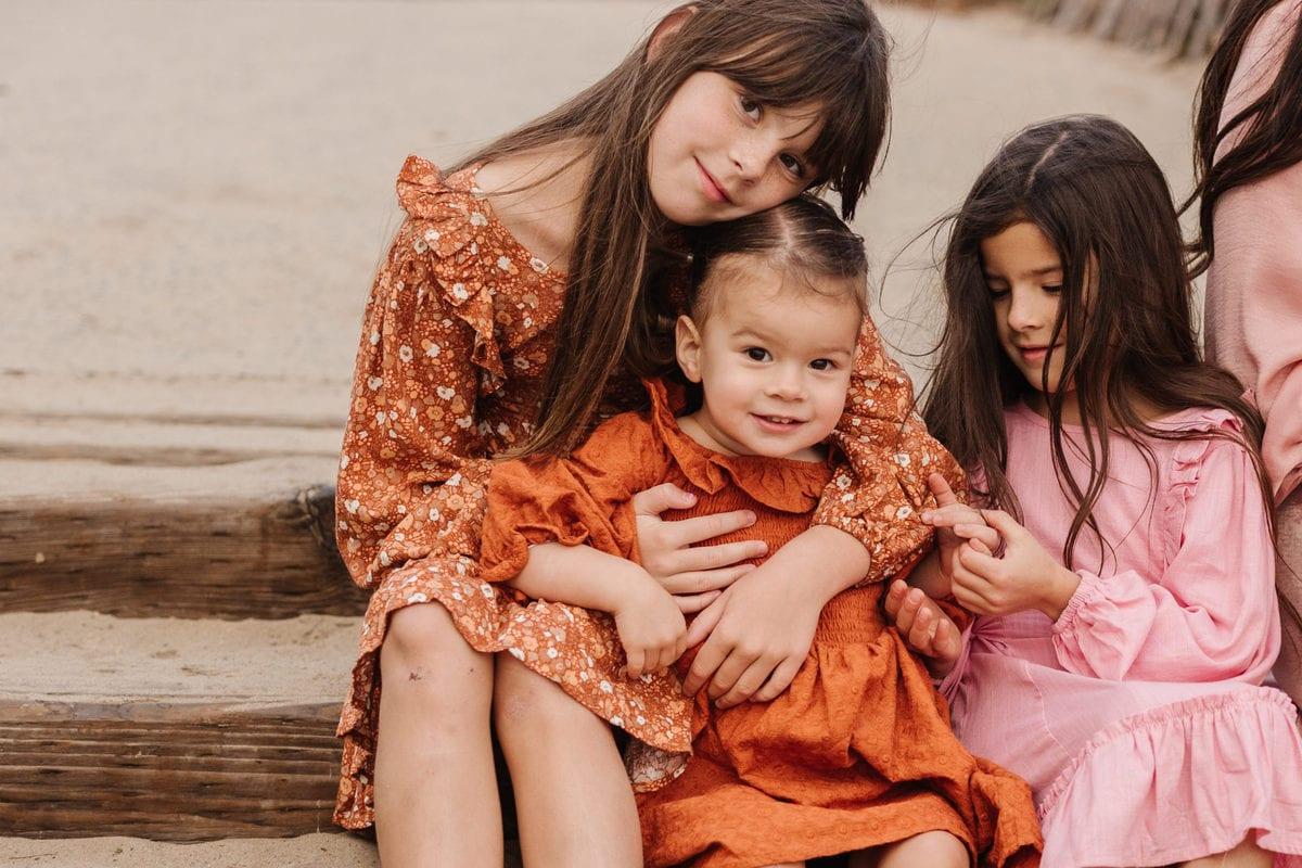 sister family pics