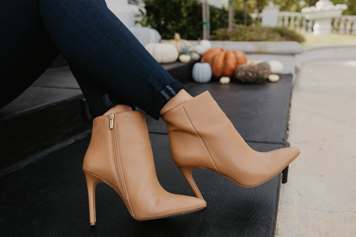 vince camuto booties tan