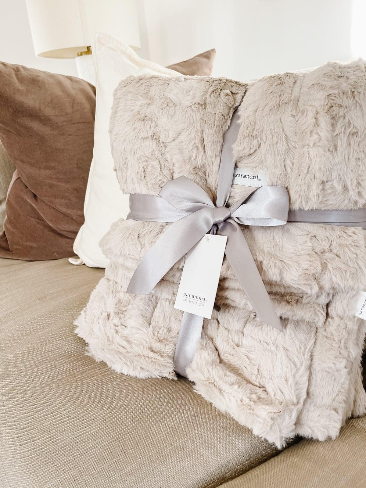 saranoni blanket deals