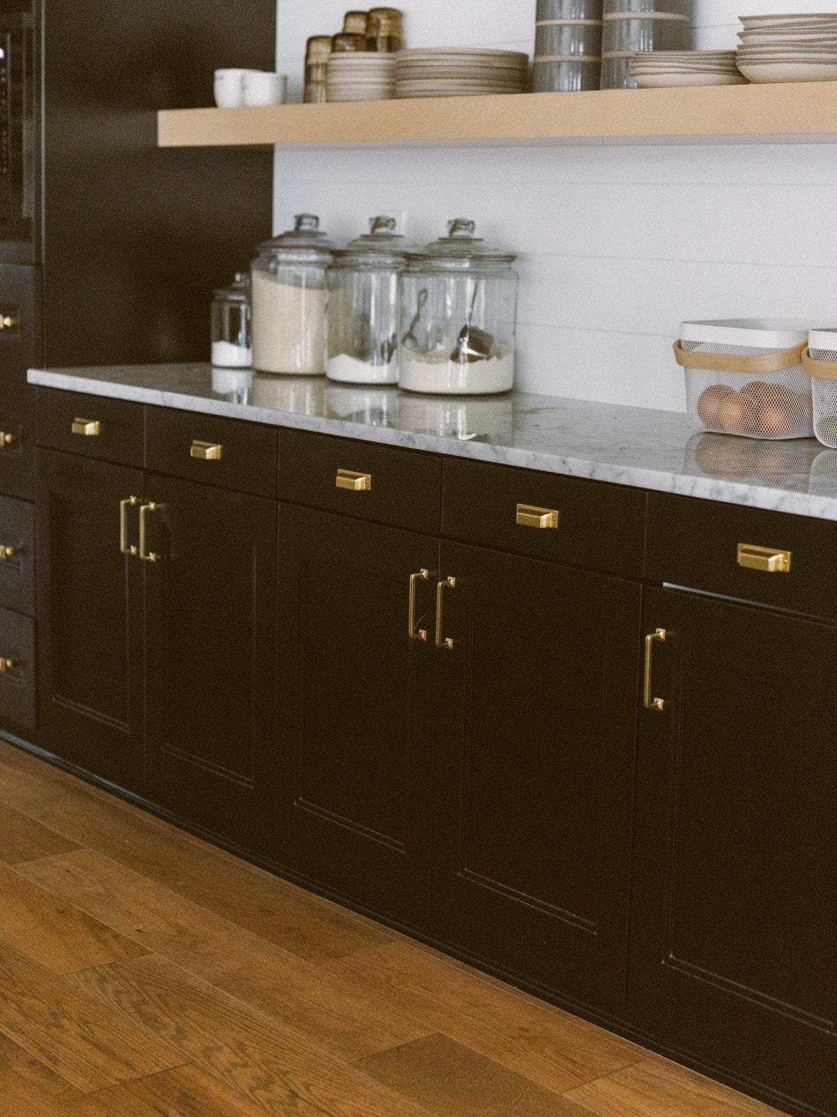 gold hardware kitchen cabinets
