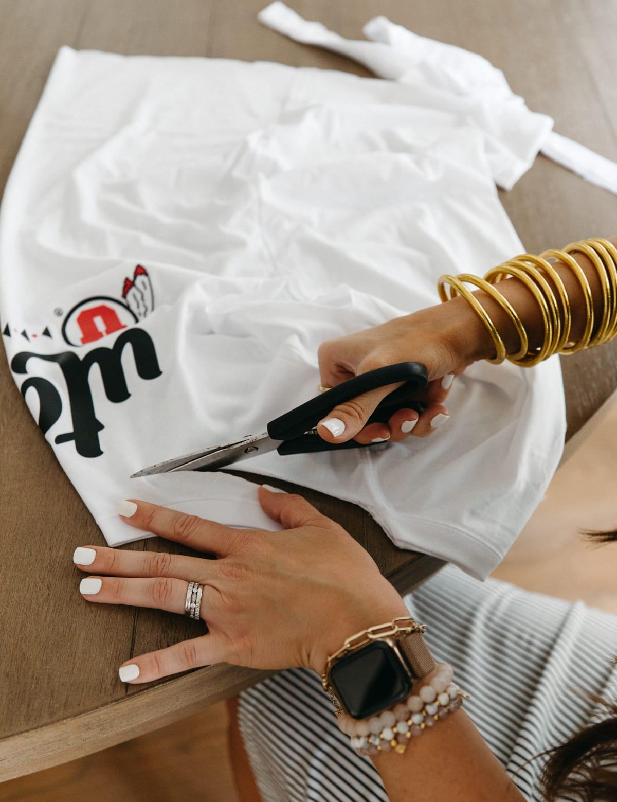 how to cut a tshirt